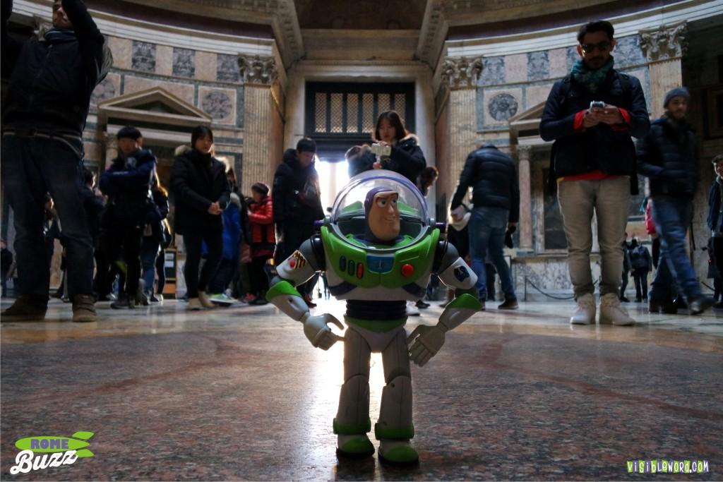 Rome Buzz - the Pantheon - photograph copyright David Bailey (not the)