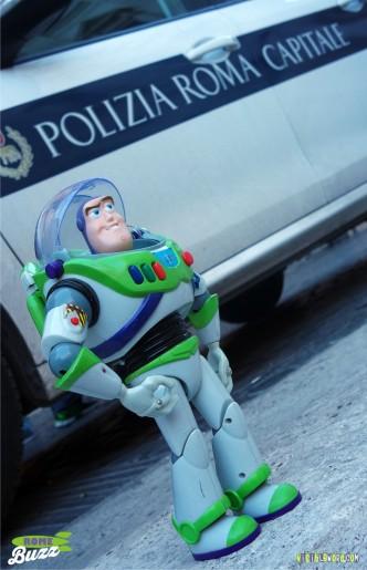 Rome Buzz - Polizia - photograph copyright David Bailey (not the)